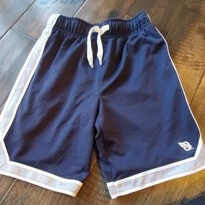 Oshgosh basketball shorts